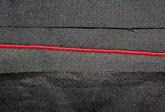 The narrow width of the satin stitch on the Opal 690Q