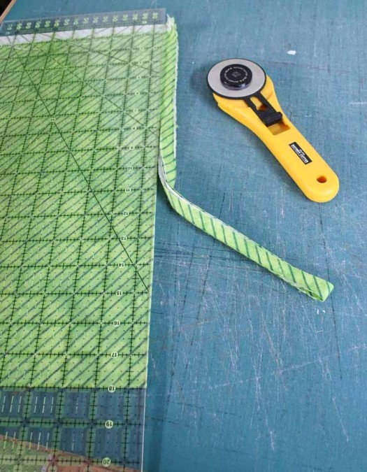 Removing the second selvedge
