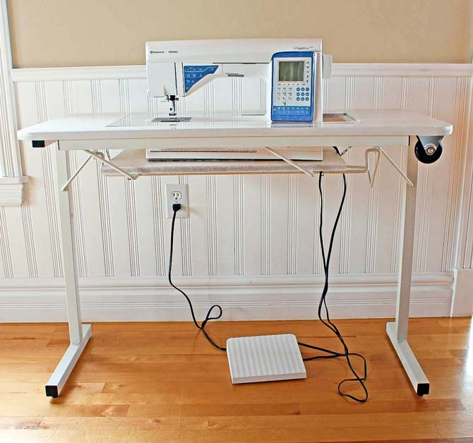 Sapphire 930 in a portable sewing cabinet