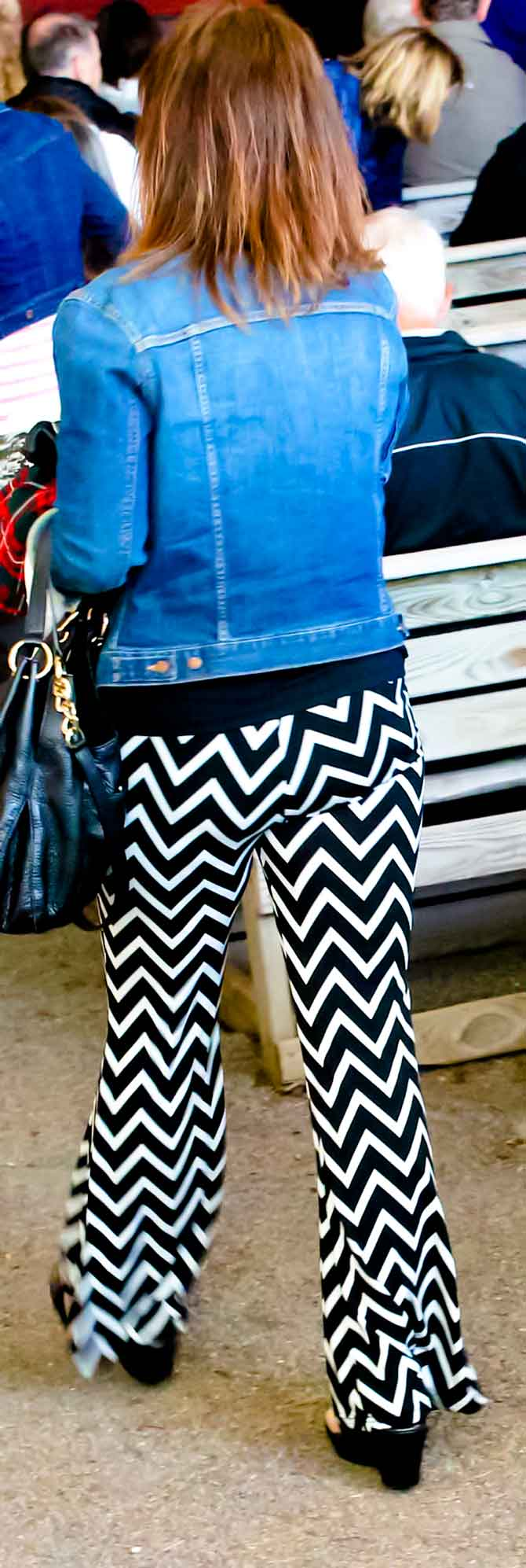 Bold graphic fabric - Zigzag pants make a good source of inspiration for a quilting design