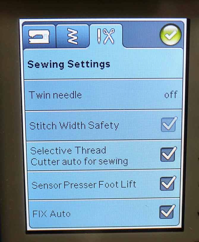 The Stitch Width Safety is automatically turned on when the single hole throat plate is installed.