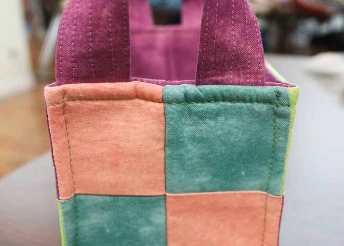 The corners of the basket have been topstitched