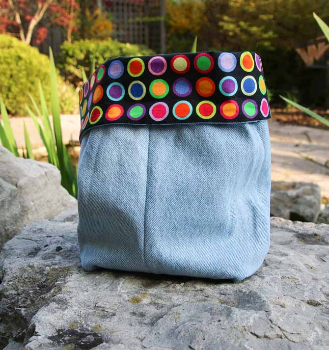Storage container from denim and quilting cotton