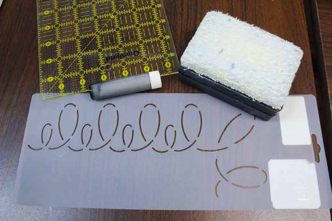 Easy to use tools for marking quilting designs