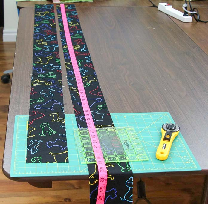 Using a measuring tape to cut borders to fit a quilt
