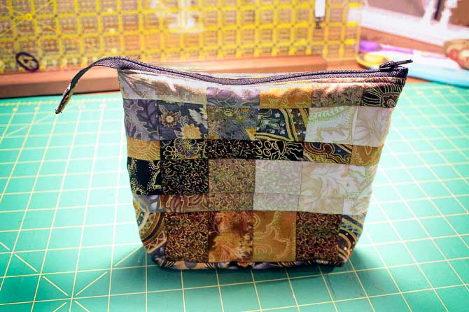 No - I made THREE bags with the leftovers from the bargello quilt. I tried different ways of inserting the zipper and the bags are nicely finished on the inside. Don't worry - I'll be showing you how to do that in a bit - but not this week.