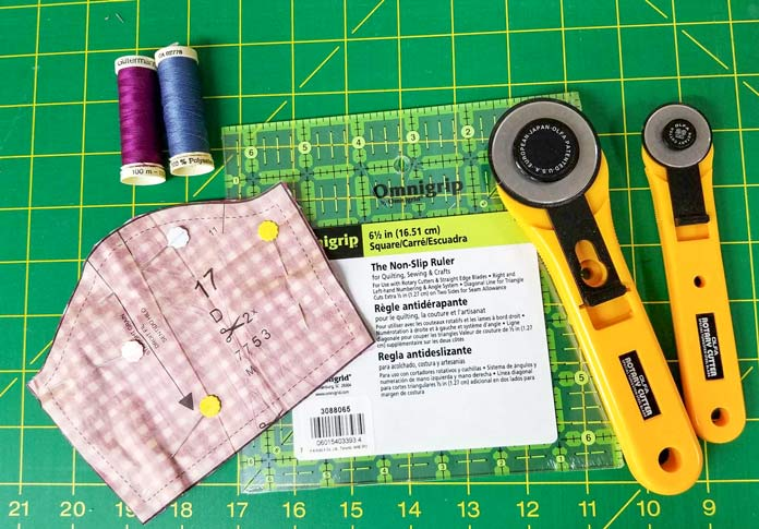 Tools that will make the assembly of the doll clothes a breeze