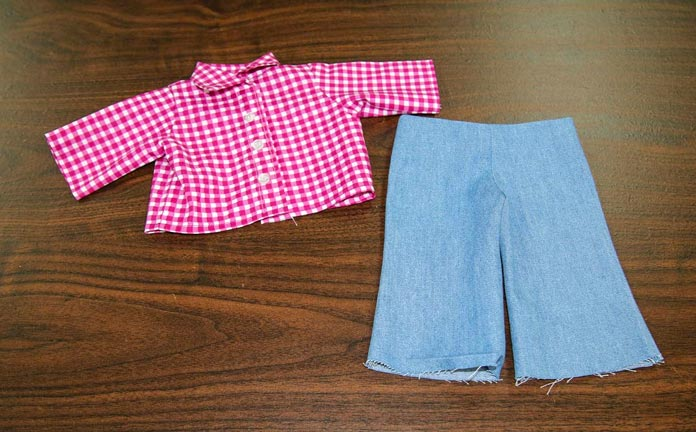 "Shirt and pants for an 18"" doll"
