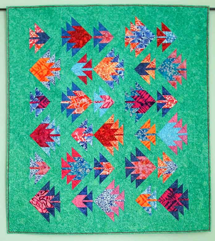 The colored flange adds just a touch of color to the outer edges of the quilt