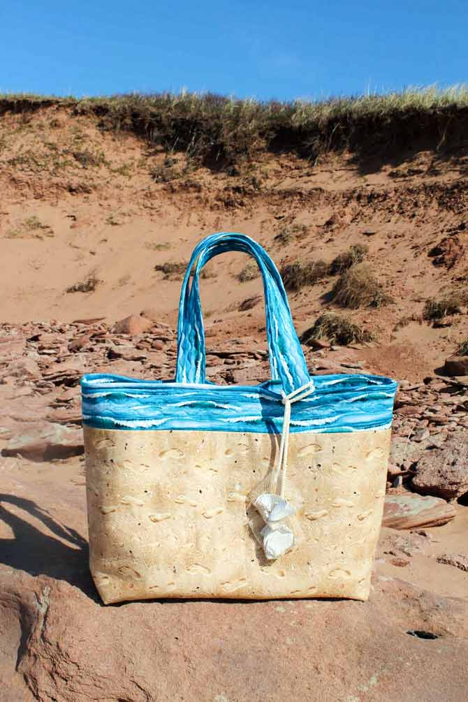 Carefree beach tote
