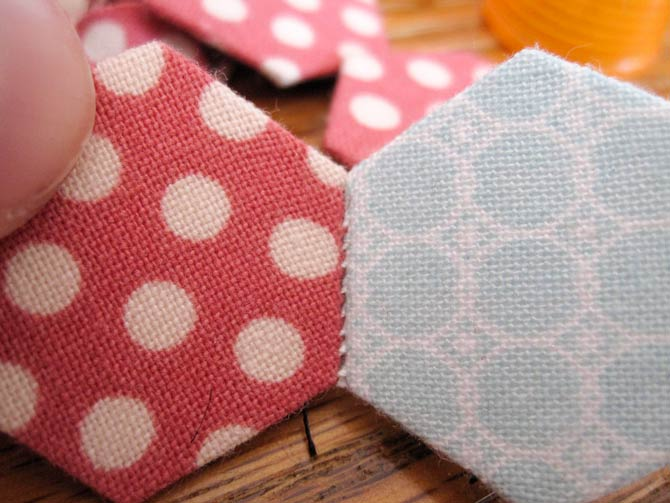 EPP flowers in a flash with Sew Easy circle and hexagon templates!