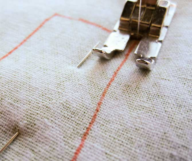 Sew along the traced line of the leaves.