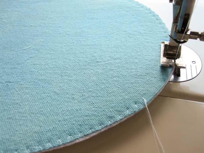 Finish the bag bottom by zigzagging the fabrics together.