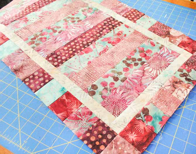 The finished table runner top