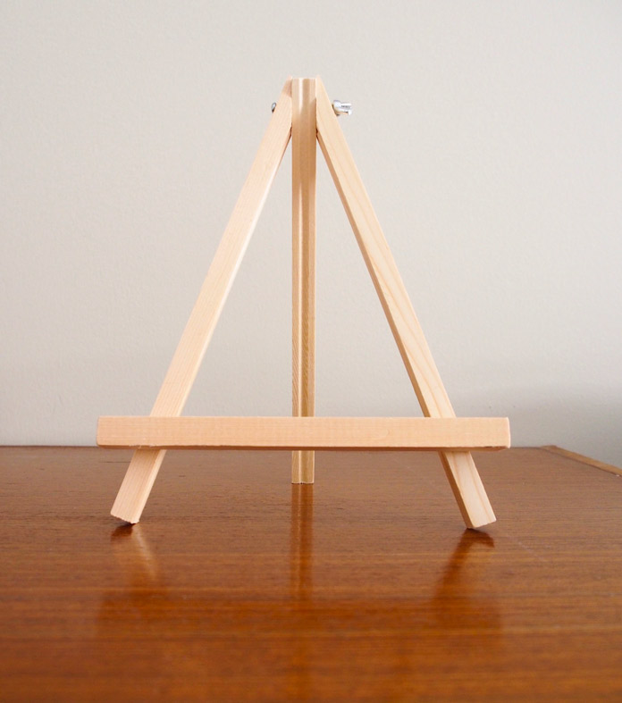 Small easel to display Festive Tree Wallhanging