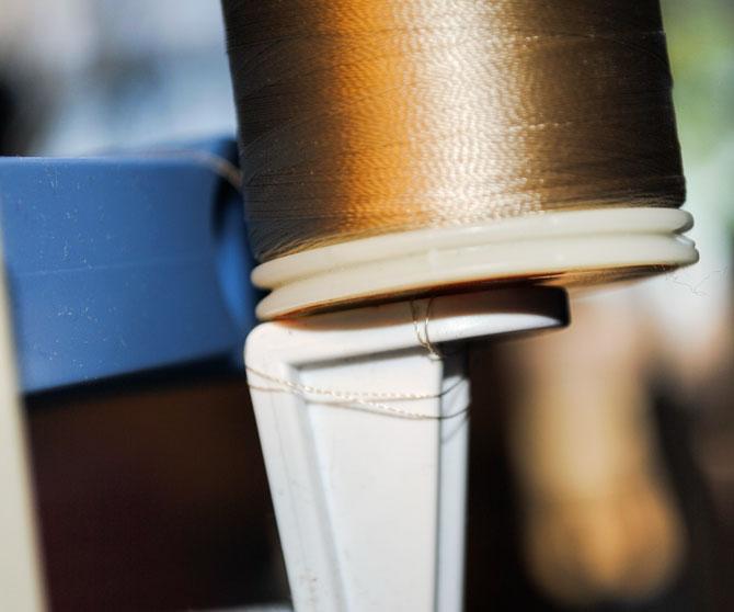 DecoBob on the thread holder