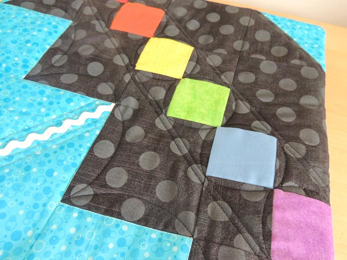 Straight and curved quilting lines on the umbrella block