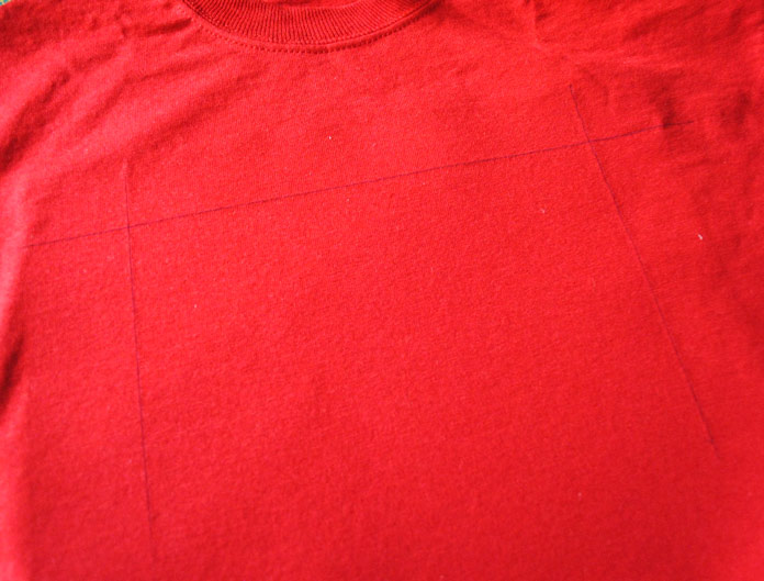 Alignment marks on the t-shirt front
