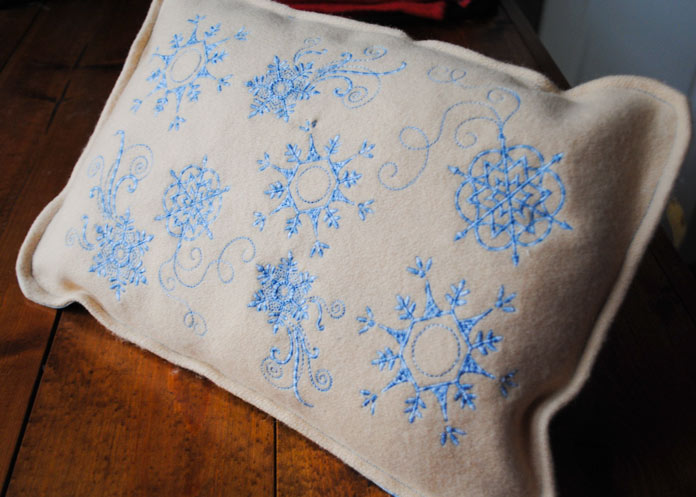 The finished Blue Snowflakes Cushion