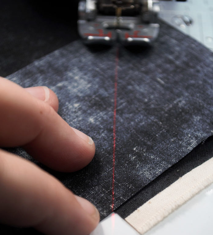 Sewing the mitred seam