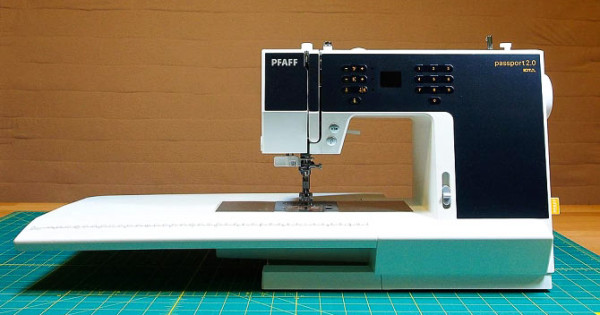 Unboxing The Pfaff Passport 2 0 Quiltsocial