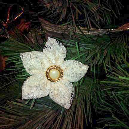 Fabric flower Christmas tree ornament