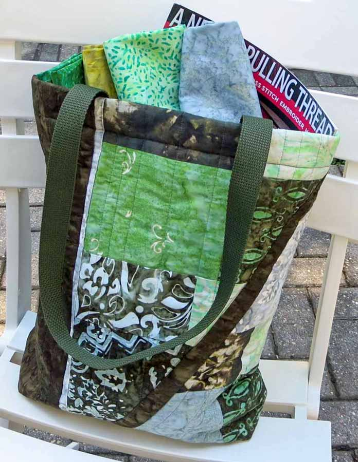 Banyan Batiks Intaglio fabric is perfect for this quilted tote bag