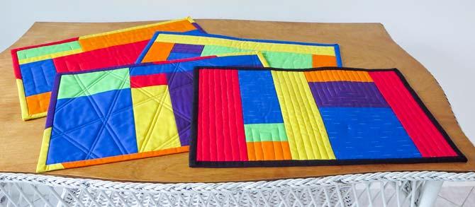 4 modern place mats