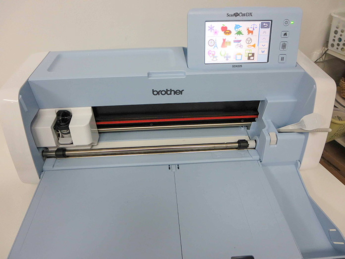 Brother ScanNCut SDX225; Brother ScanNCut SDX225, Brother BQ3050 sewing machine, MuVit Dual-Feed Foot