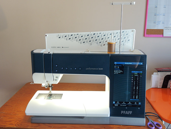 PFAFF performance icon sewing machine