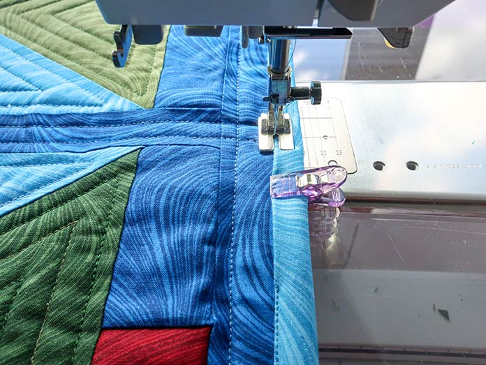 When sewing your binding down by machine, do so following the binding's edge. Gütermann threads