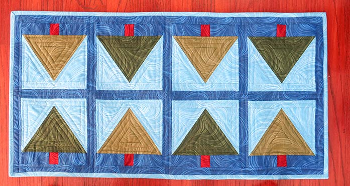 A finished table runner ready for the patio (once the snow melts). Gütermann threads