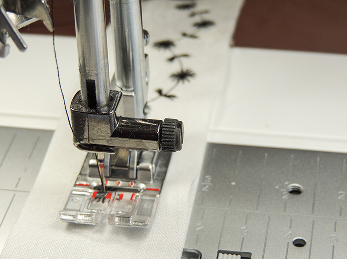 The wide built in stitches on the PFAFf performance icon require the Maxi stitch foot.