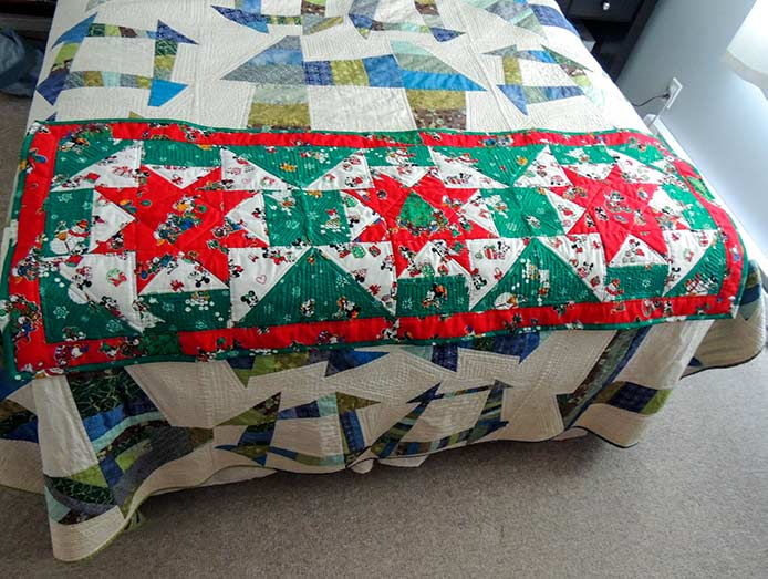 Holiday bed runner PFAFF performance icon project