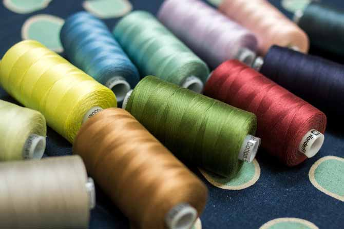 Yummy spools of Konfetti threads by WonderFil Threads, see a full review and quilted projects