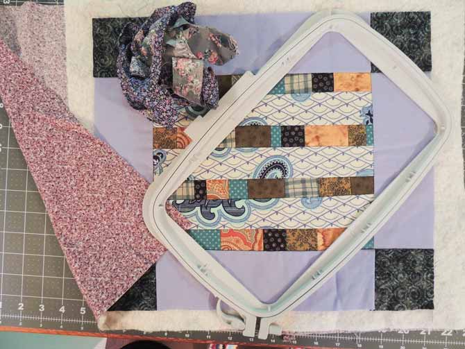 Mini quilt and creative Master Hoop
