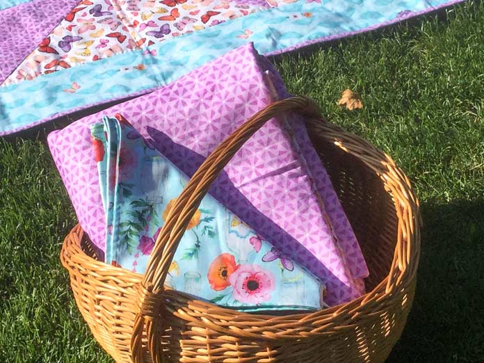 Sewing double sided fabric napkins for a fabulous picnic set