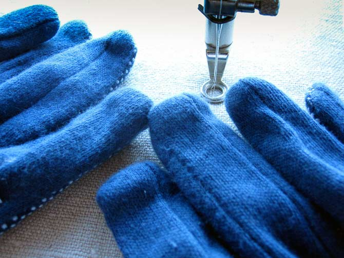 Slip into something a little grippy when you're doing free motion quilting. These gloves keep it all under control.