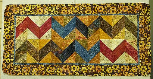 Quilting The ZigZag Runner | Quilts By Jen