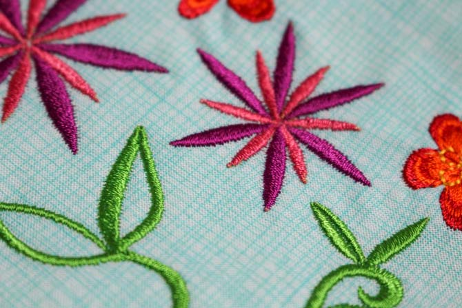 Machine embroidery with Splendor rayon