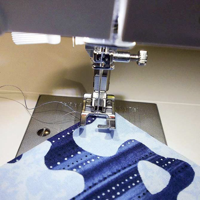Sewing stars foot with large open toe area