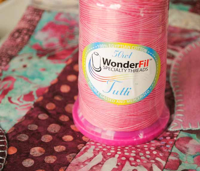 WonderFil's Tutti thread on the Valentine's tablerunner